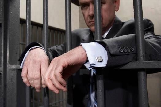 Arresto da 2 a 4 mesi o ammenda da 1315,20 a 5699,20 euro: queste le sanzioni previste per i Datori di Lavoro che non provvedono a Formare ed Informare i propri lavoratori sui rischi presenti in azienda.
